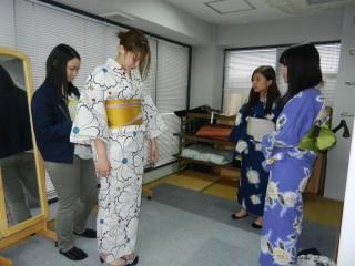 奈良総合ビジネス専門学校 浴衣の着付け